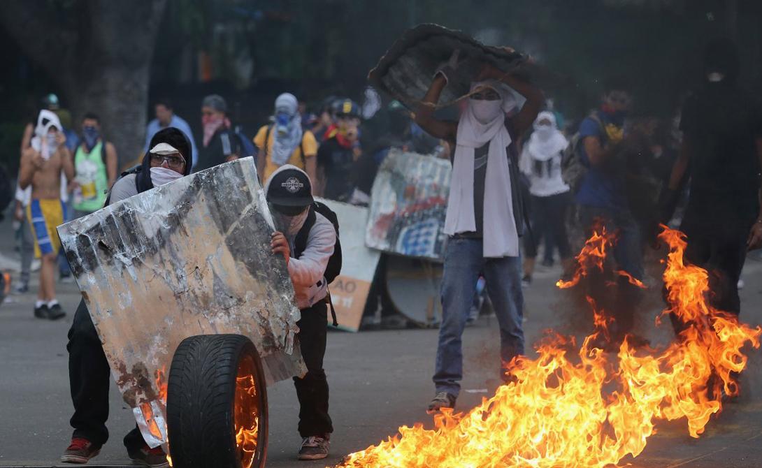 Скачок преступности в Венесуэле пришелся на девяностые годы прошлого века. Зерна криминала дали здесь богатые всходы — тому виной несколько важных факторов.
