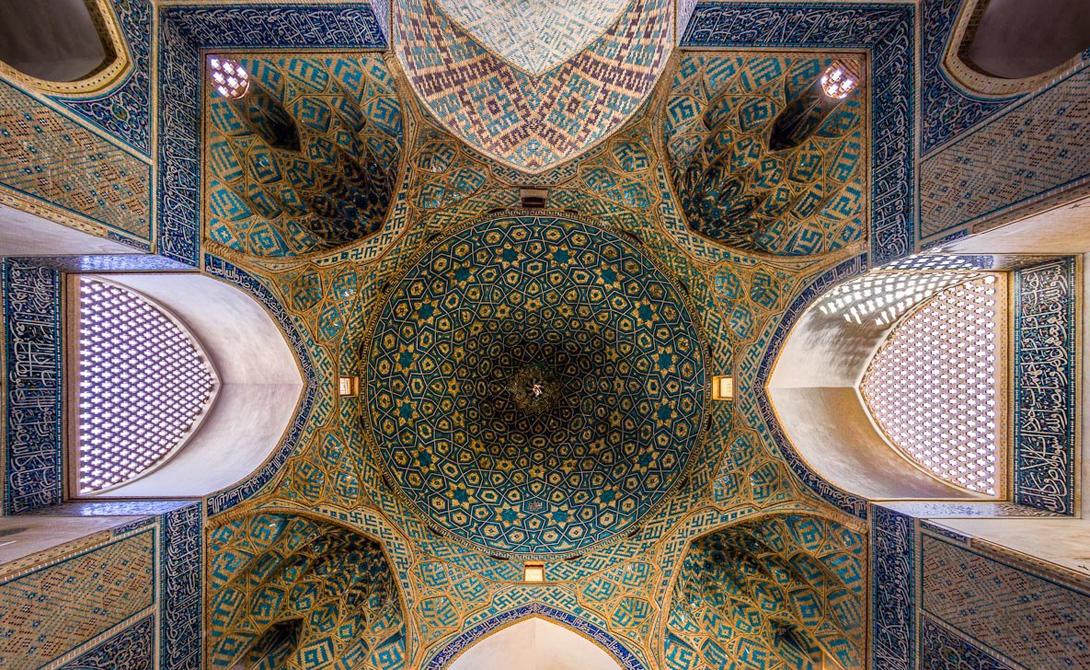 Пятничная мечеть, Йезд — один из самых известных памятников города.