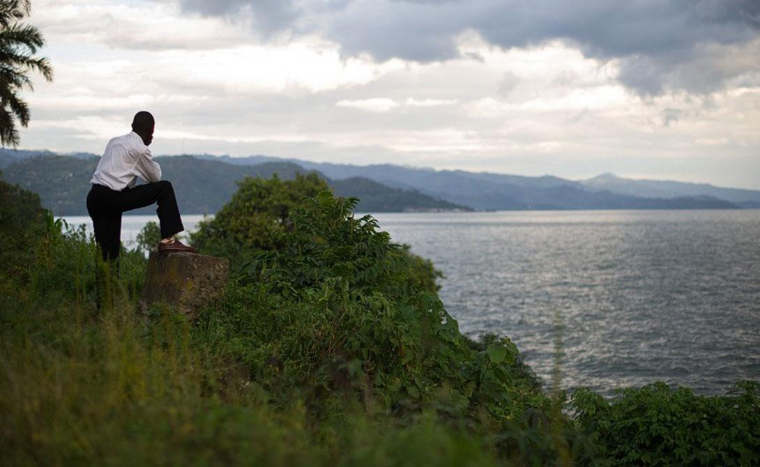 Конго Африка 4 700 километров Эта река берет свое начало в горах на северо-востоке Замбии и спускается вниз, по извилистому пути через Республику Конго, Демократическую Республику Конго, Центральноафриканскую Республику, Анголу, Танзанию, Камерун, Замбию, Бурунди и Руанду.