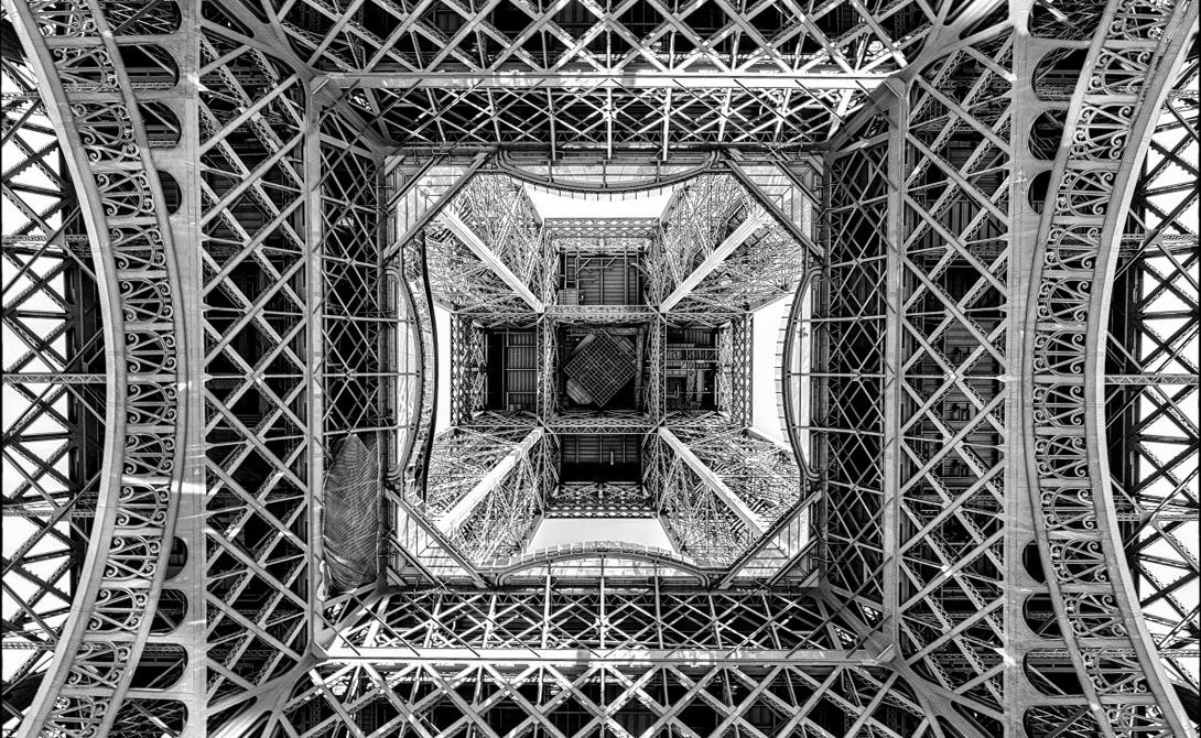 Эйфелева башня, Париж, Иль-де-Франс, Франция Фотограф: Алехандро Мерисальде