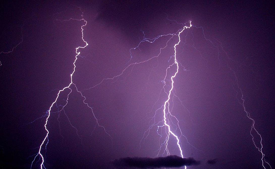 Касерес Колумбия 176 вспышек молний на квадратный километр в год Касерес, на реке Каука, получает больше молний, чем любая другая часть Колумбии.