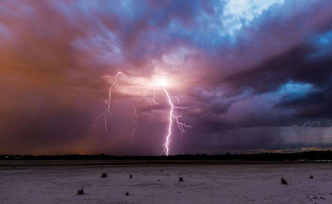 Саке  Демократическая Республика Конго 143 вспышки молний на квадратный километр в год Африка — горячее место, и молнии об этом знают. Гигантские озера, расположенные в африканской рифтовой долине, настоящая приманка для огненных штормов.