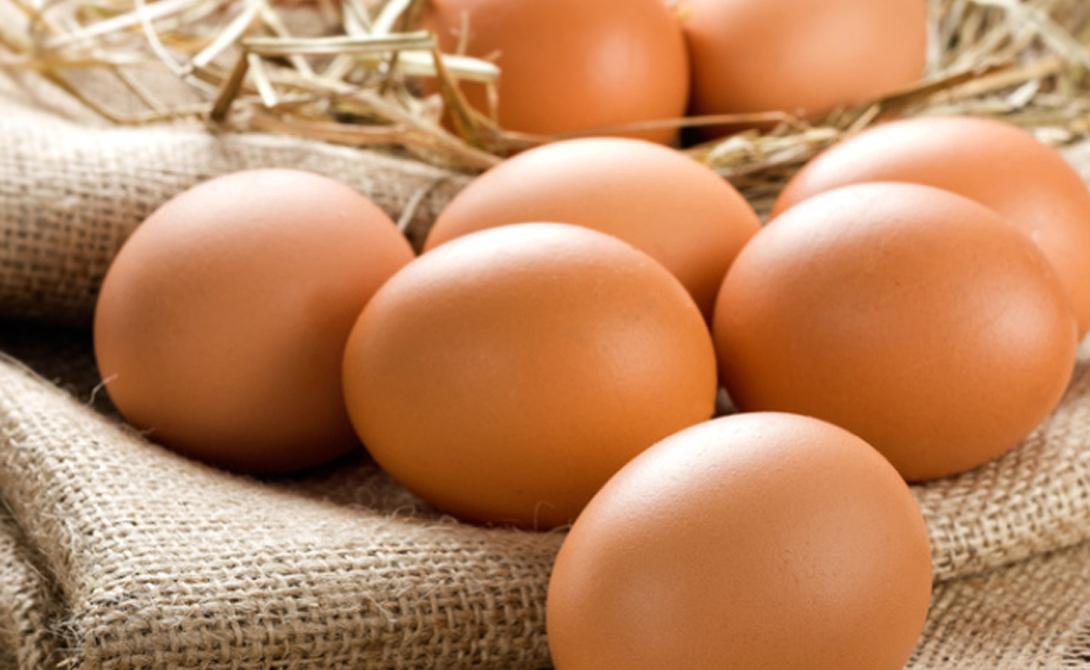 Яйца Прекрасный завтрак, который идеально подойдет для быстрого набора массы. Здесь масса белка и много витамина D, предохраняющего от повреждения мышечные связки.