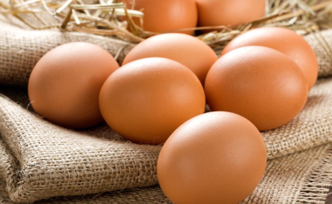 Яйца 12 основных витаминов и почти все необходимые человеку микроэлементы. Строгим вегетарианцам будет нелегко заменить этот продукт. Витамин D, к примеру, является великолепным источником фосфора, который помогает предотвратить порчу зубов.