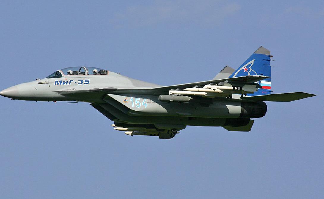Миг-35 Многоцелевой истребитель, эффективный как при работе в воздухе, так и при высокоточных ударах по местности. Способен развивать скорость до 2400 км в час. Миг-35 умеет уничтожать морские и наземные цели с большого расстояния, а также проводить разведоперации.