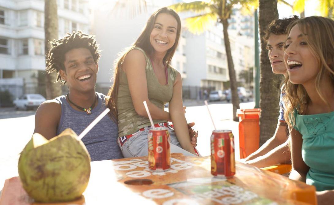 Местные жители Местные очень дружелюбны. Рио всегда был городом туристов и экспатов, поэтому найти себе компанию путешественнику не составит никаких проблем. Мимолетное знакомство вполне может привести к дружбе, а то и к романтической развязке.