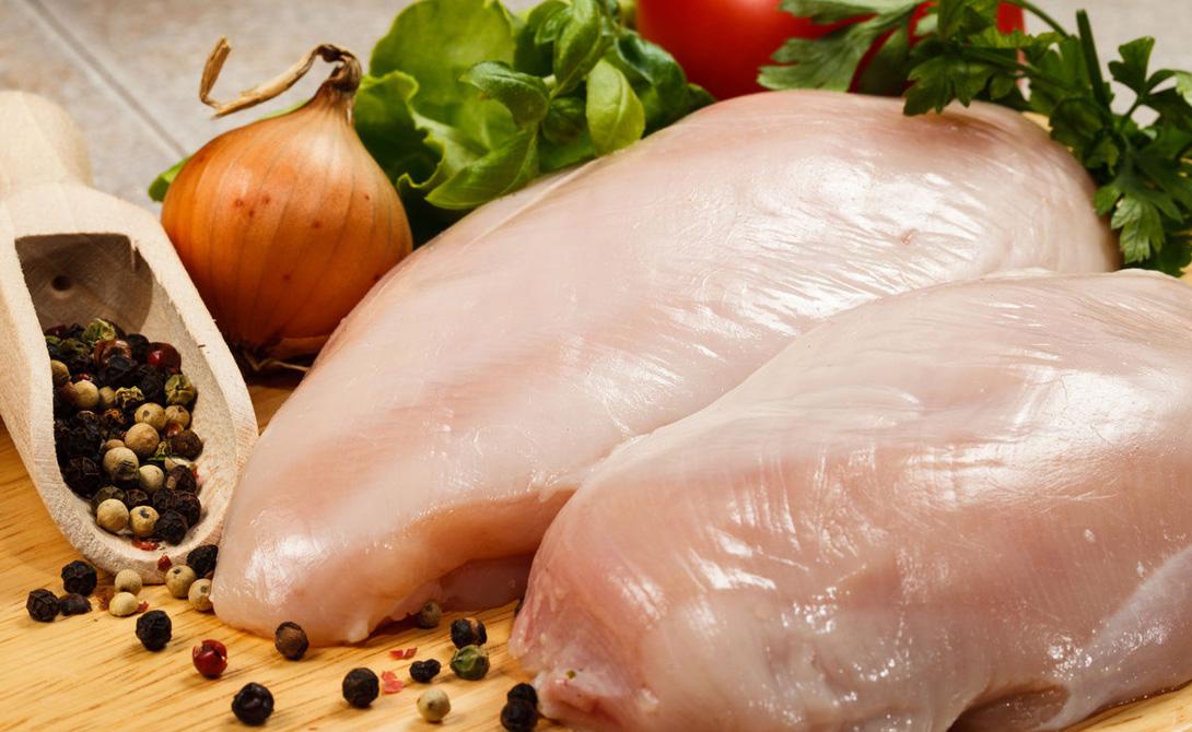 Индейка Обилие фосфора делает индейку неплохой альтернативой рыбе, а белка здесь содержится до 50% от общего веса. Примите за правило готовить индейку минимум три-четыре раза в неделю. Лучше варить или готовить на пару.