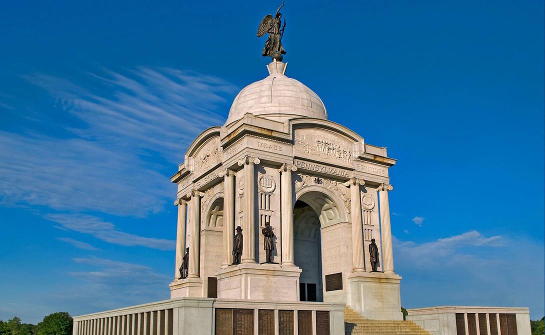 Национальный военный парк Геттисберг Геттисберг, США Военный парковый мемориал посвящен самой кровопролитной и жесткой битве гражданской войны в США — именно здесь решился исход противостояния Севера и Юга.