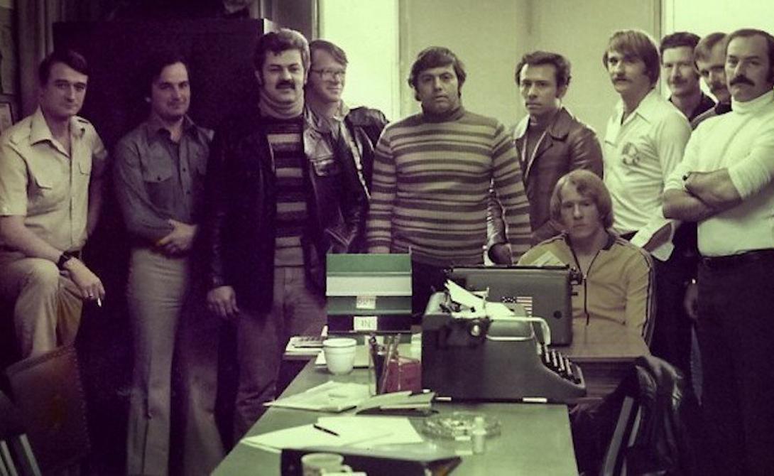 ОСС Управление стратегических служб было образовано в 1942 году. Миссия сотрудников отдела была достаточно необычной — поиск и сбор важной стратегической информации из независимых источников. Примерно таких сталкеров показали в «Трех днях Кондора». Результаты работы ОСС оказались неожиданно впечатляющими: сотрудники раскрыли несколько сверхсекретных шпионских канала СССР и помогли накрыть почти всю резидентуру коммунистов в Вашингтоне.