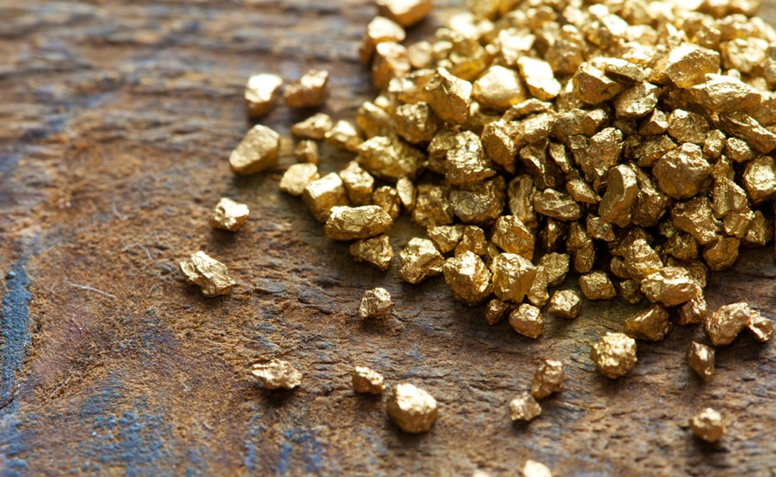 Золото может не только поднять, но и разрушить экономику. Манса Муса, правитель империи Мали, однажды добыл столько драгоценного металла в Египте, что началась девальвация.