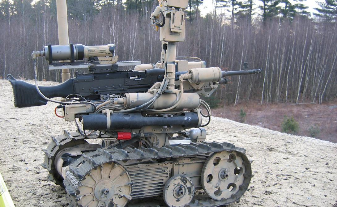 Робот TALON Оператор может находится за тысячу метров от робота, ведущего убийственный огонь. TALON способен оперативно устранять угрозы на любой поверхности — собственно, этот автоматизированный источник смерти может работать даже под водой.