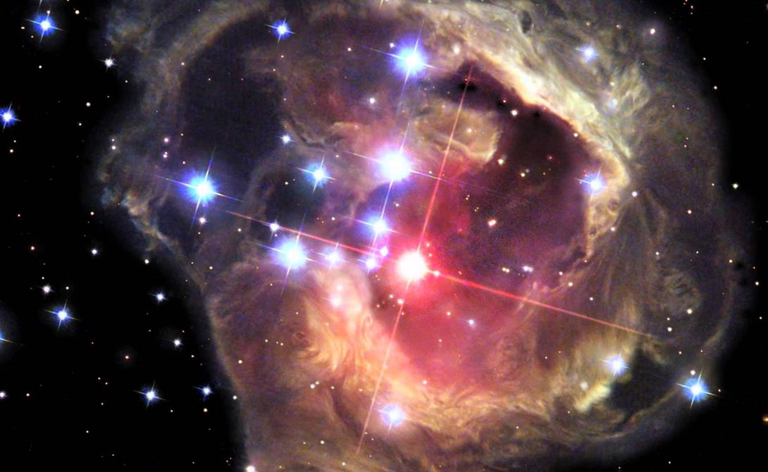 V838 Mon Красный шар в центре этого образа, звезда V838 Mon, окружена множеством пыльных облаков. Эта невероятная фотография была сделана после того, как звезда вызвала нечто светового эха, разбросавшего окружающую пыль по всей вселенной.