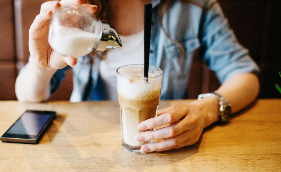 Большую часть сахара (около 75%) поступает в организм из обработанных и предварительно упакованных пищевых продуктов и напитков. Остальное мы добавляем к чаю, кофе и продуктам, которые готовим сами.