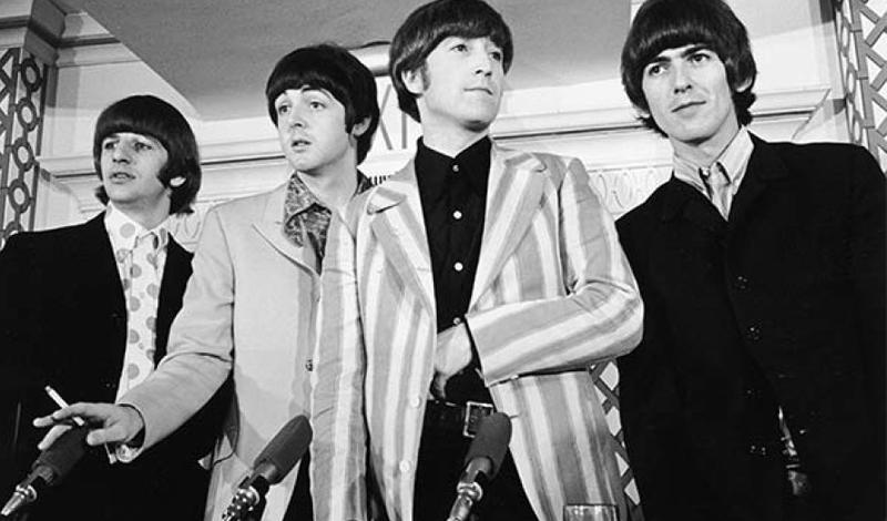 Beatles создали иллюминаты Известный историк-музыковед Дэвид Ричардс в 2014 году разразился громкой статьей, где разоблачал Ливерпульскую Четверку. Beatles якобы были созданы иллюминатами, чтобы влиять на молодые умы. Каждая песня наполнена специальными триггерами, активирующими желания подростков бунтовать и пробовать наркотики — производство которых также финансировалось тайным орденом. Можно было бы только посмеяться над Ричардсом, вот только Beatles и в самом деле перевернули всю историю музыку и оказали значительное влияние на свое поколение.