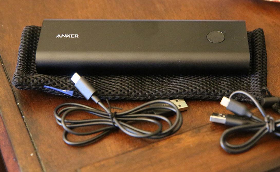Аккумулятор Внешний источник питания пригодится в любом путешествии. Только не нужно экономить и останавливаться на бюджетном варианте с маленькой емкостью — подведет в самый неподходящий момент. Присмотритесь к чему-то, вроде вот этого Anker, способного зарядить iPhone 6 семь раз. Пара USB-портов избавит от дилеммы, кому из компании пользоваться аккумулятором в первую очередь.