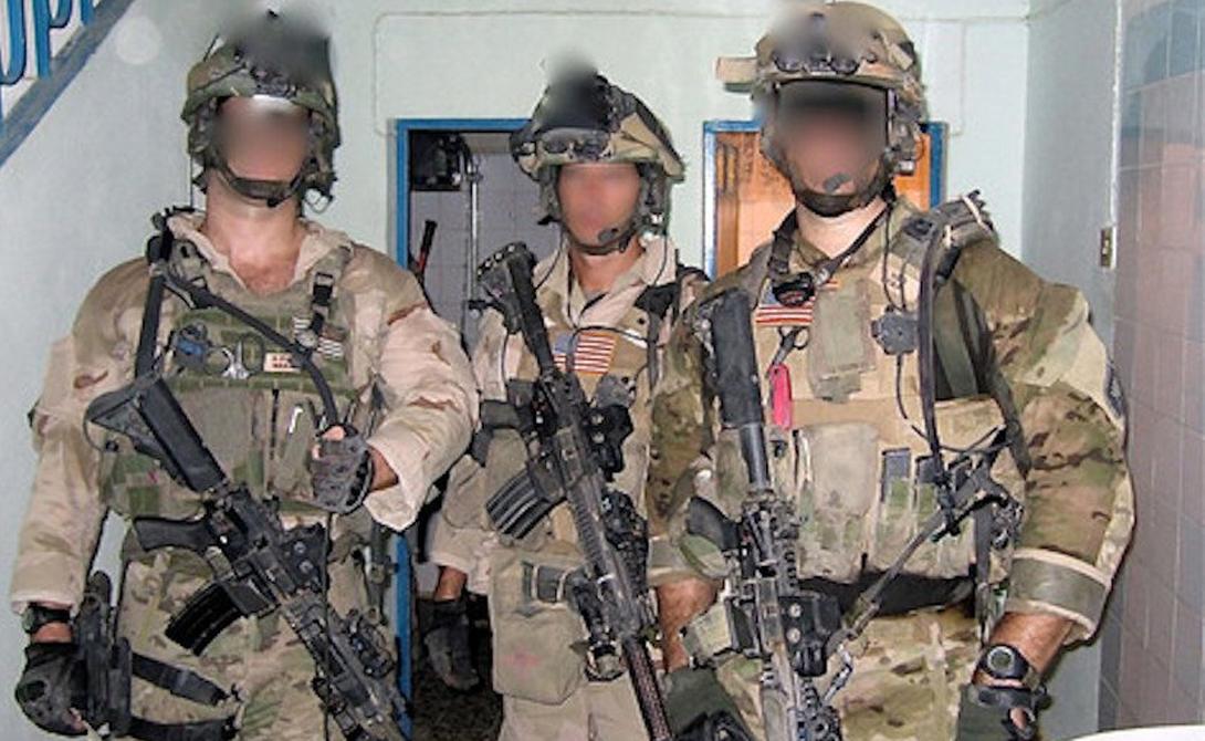 Целевая группа 88 Группировка Task Force 88 (Task Force Black по другим источникам) уже прекратила свое существование. По крайней мере, американские военные утверждают именно так. Этот отряд специального назначения проводил рейды против террористических организаций в Ираке и Афганистане в разгар войны. Task Force 88 набирался из лучших бойцов SEAL Team 6, Delta Force и британской SAS. Ходят слухи, что солдаты группировки были замечены на границе Сирии — судя по всему, Пентагон решил использовать точечное устранение главарей ISIS (террористическая группировка, деятельность которой запрещена на территории России).