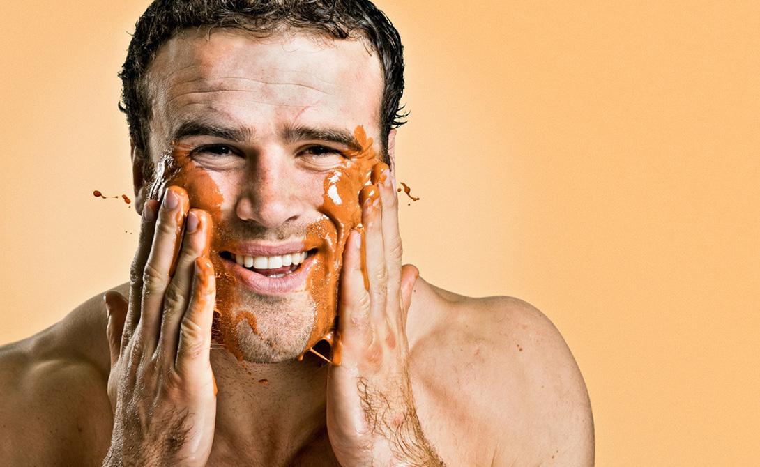 Слишком сухо Практически любое мыло сушит кожу. Не стоит пренебрегать увлажняющими средствами, даже если вы суровый металлург из Челябинска, опасающийся, что баночка крема может испортить всю репутацию. Пересушенная кожа не только выглядит неприятно, но и дарит владельцу массу дискомфортных ощущений.