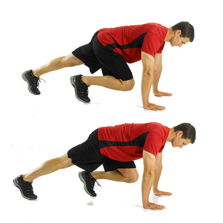 Скалолаз Примите положение упор лежа. Ваше тело должно формировать прямую линию от головы до лодыжки. Следите за тем, чтобы нижняя часть спины не меняла положения при повторах. Поочередно, не наращивая темпа, подтягивайте ноги к груди.