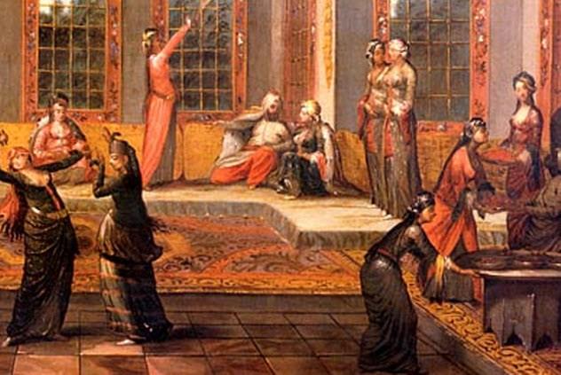 Гарем Многие считают гаремы своеобразной необходимостью образа восточной жизни. Мужчины, дескать, брали в гарем женщин, чтобы заботиться о них. Может быть, изначально все так и было — но только не во времена расцвета Османской империи. Императорский гарем при дворце Топкапы насчитывал две тысячи порабощенных женщин. Некоторые из них никогда не видели окружающего мира. Посмотреть на женщин султана можно было ценой своей жизни: евнухи ревностно охраняли «самое ценное место империи». Примерно такое же положение сохранялось и для менее знатных лиц государства, предпочитавших собирать собственные гаремы. В целом, положение женщины в ту пору нельзя было назвать завидным.