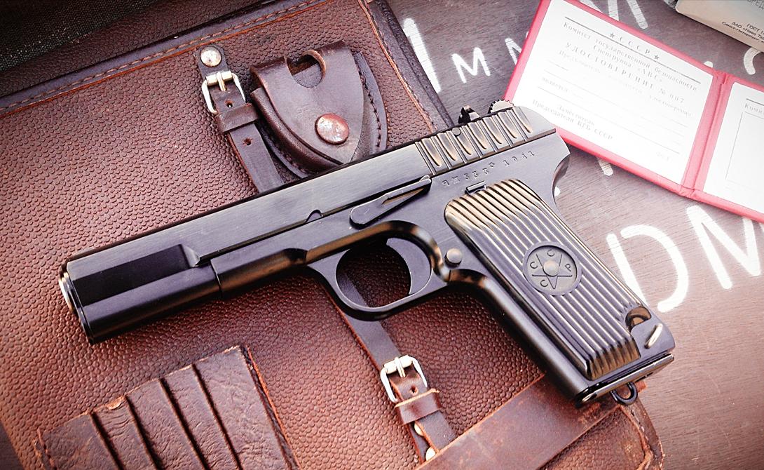 Современная жизнь До России легендарный ТТ официально не дошел. На практике же неразбериха 90-х годов привела к массовым нелегальным распродажам с армейских складов, что превратило пистолет в самый настоящий символ эпохи. В некоторых странах ТТ (с незначительными модификациями) выпускают до сих пор — к примеру, китайский «Тип 51» и корейский «Тип 68», венгерский Tokagyrt 58 и Югославский М-57.