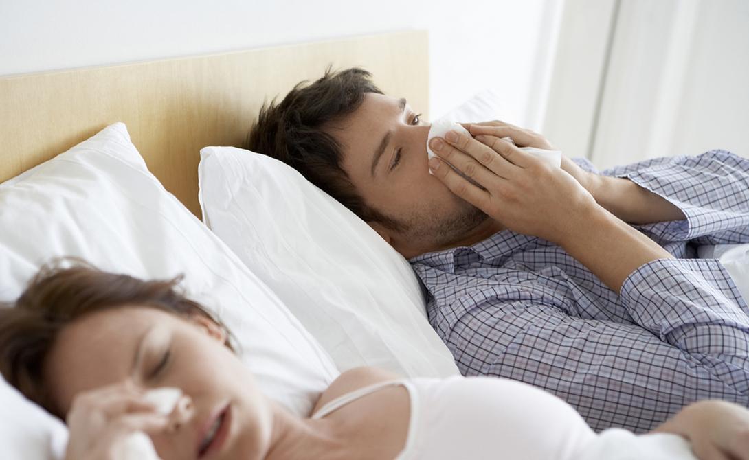 Боль в шее Во-первых, меняйте подушку не реже, чем раз в полгода. Стоит остановиться на дорогих латексных моделях — они значительно снижают нагрузку на верхний отдел позвоночника.
