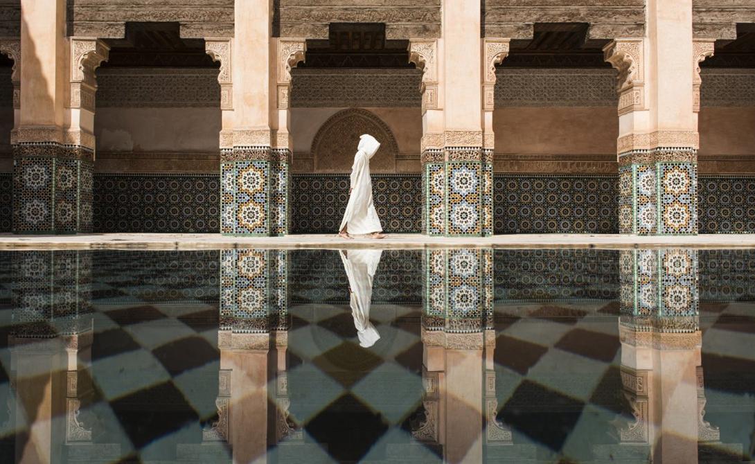 Ben Youssef Автор: Такаши Накагава Прохожий в Марокко.