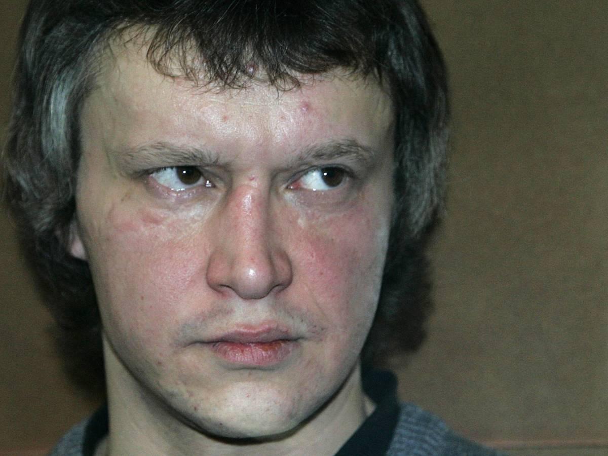 Александр Пичушкин А это — наш соотечественник. Пичушкин убил шесть десятков человек. Ему оставалось всего четыре жертвы до заветной цели: заполнить всю шахматную доску.