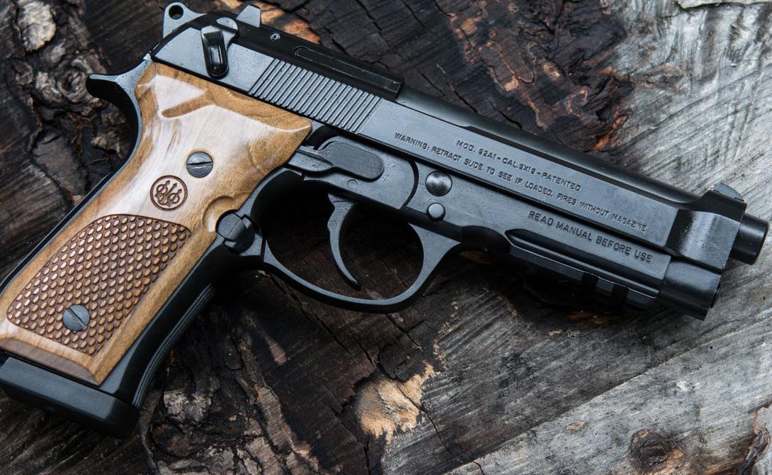 Beretta 92 Итальянская разработка, прославившаяся далеко за пределами родной страны. С 1975 года пистолет активно эксплуатируется во французской и американской армиях.