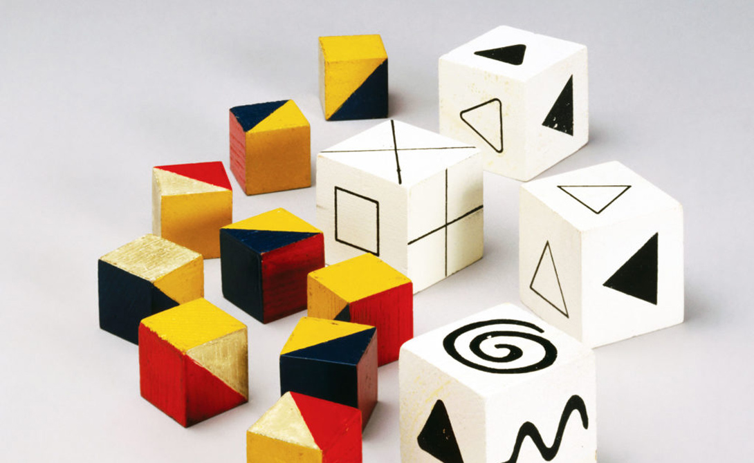 Проверка логики Простейшая проверка логического мышления также используется с начала 20-го века. В основном, тестируемые — дети младшего возраста. Они должны собрать кубики в определенной, логичной для здорового человека последовательности.