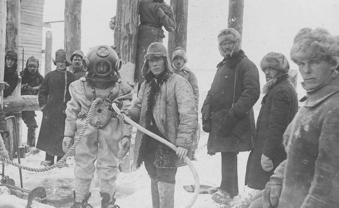 Русская наука В России были неоднократные попытки сконструировать собственный костюм. Механик Гаузен сделал подводное снаряжение, весьма напоминающее работы Зибе. В 1953 году Вшивцев создает первый автономный костюм, а в 1861 году Лодыгин придумывает специальную смесь из кислорода и водорода. Изобретение Лодыгина стало настоящим прорывом в области подводного снаряжения, его начали использовать по всему миру.