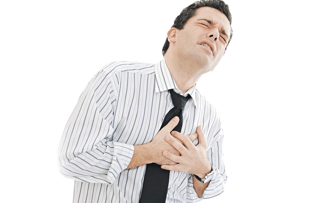 Никотин Все не раз слышали о том, что курение — одна из основных причин развития рака легких. А вот влияние табака на сердце афишировано не так широко, хотя медикам прекрасно известно, насколько постоянный приток продуктов горения в кровь осложняет его работу. Бросайте курить, если не сделали этого до сих пор.