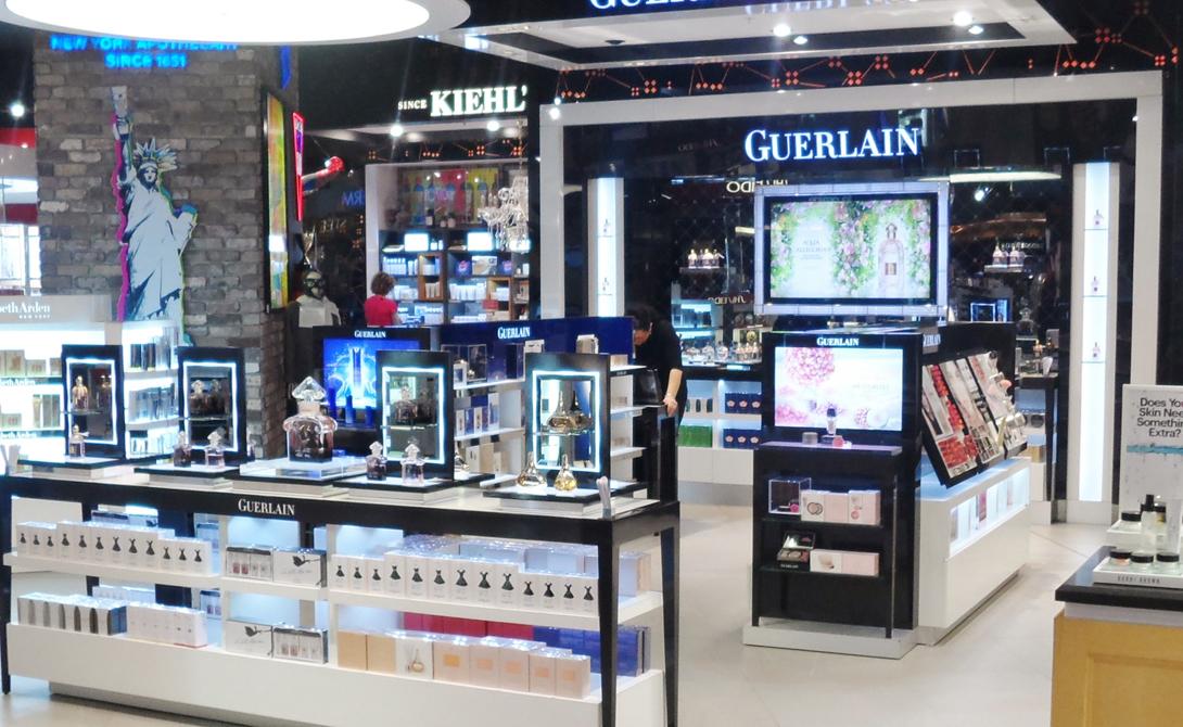 Вена Парфюмерия Дьюти-фри венского аэропорта демонстрирует приятное разнообразие парфюмерных магазинов. Соответственно, и туристы привозят отсюда в основном дорогую, иногда даже селективную парфюмерию.
