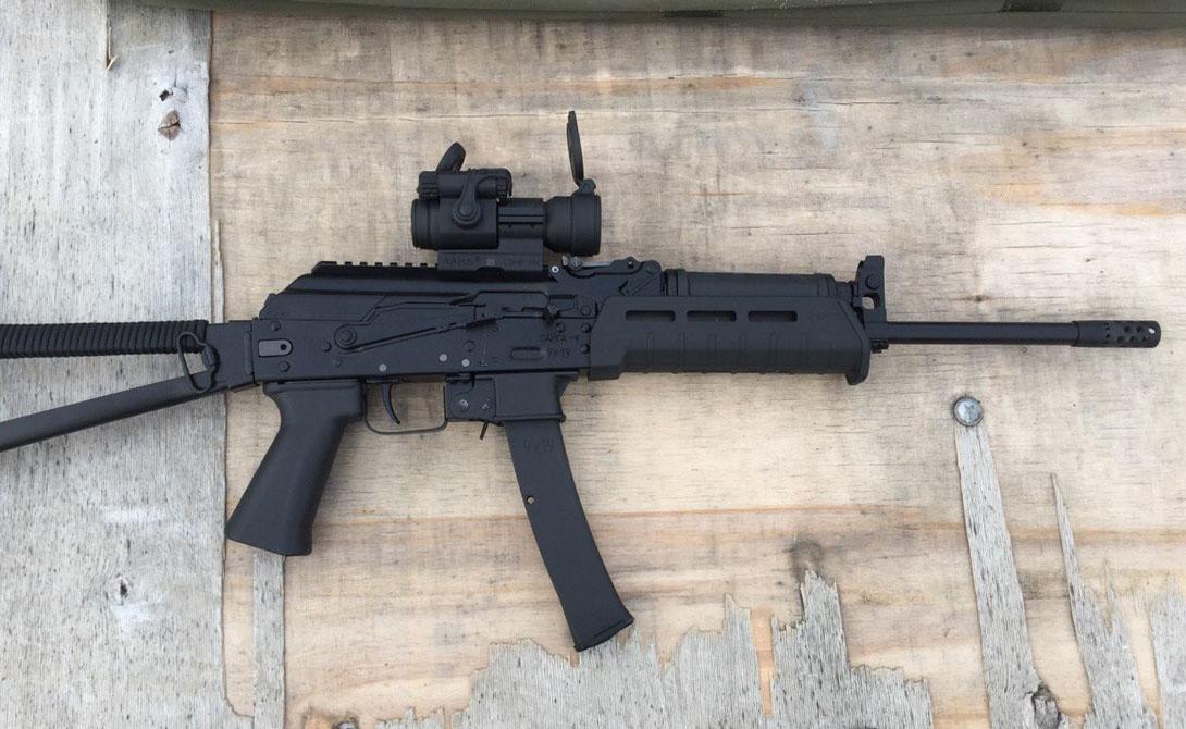 Сайга-9 Наше законодательство относит самозарядный карабин Сайга-9 в категорию охотничьего длинноствольного нарезного — покупка требует соответствующей лицензии. В реальности компактный, надежный и очень удобный в обращении карабин пользуется очень высокой популярностью в качестве оружия для самозащиты.