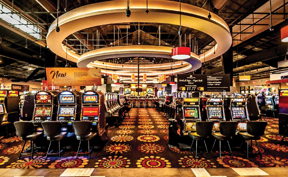 Казино Лас-Вегаса Вы просто не представляете, сколько людей свели счеты с жизнью в этом пластмассовом городе. Во многих казино есть даже свои специальные команды, в задачу которых входит быстро и без лишнего шума убирать последствия трагедии.