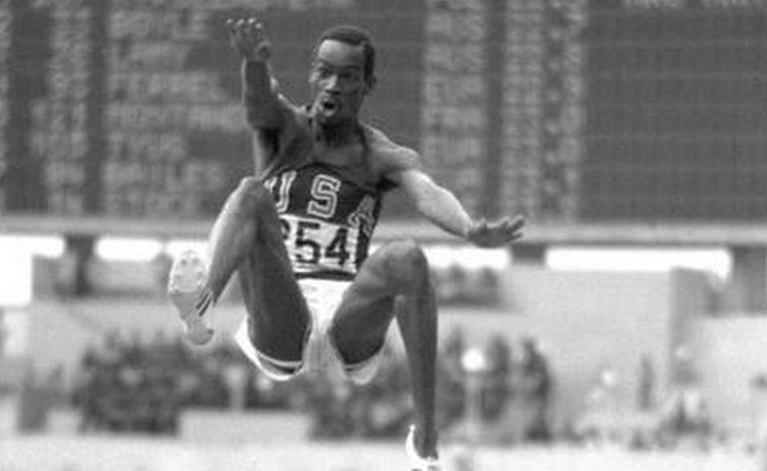 Прыжки в длину Боб Бимон Расстояние: 8,93064 Легендарный рекорд по прыжкам в длину принадлежит Бобу Диману, сумевшему прыгнуть почти на девять метров. Для человека это на удивление хороший результат.