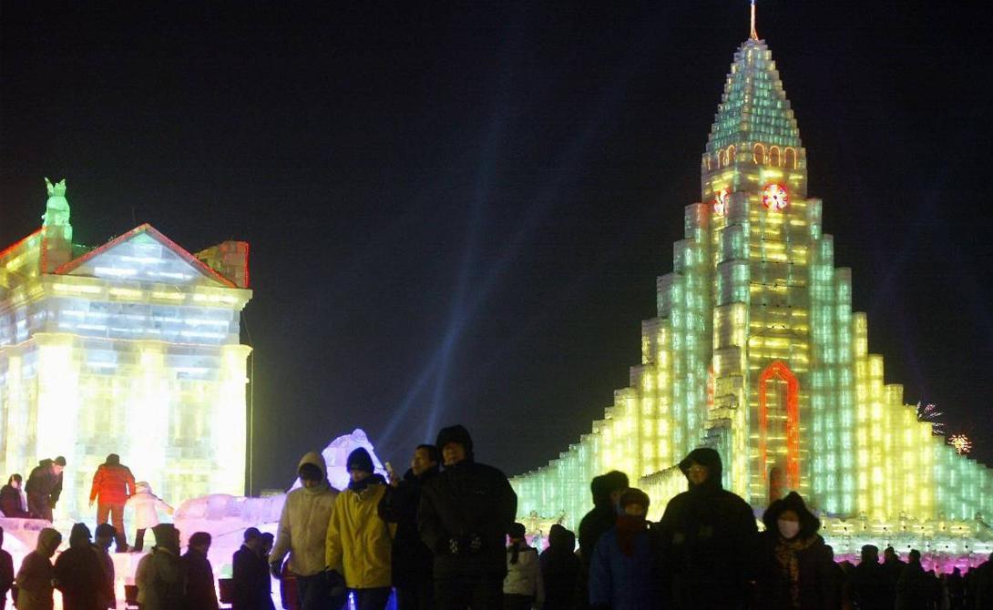 Харбин Век назад постройка Транссиба превратила заштатный Харбин в экономического лидера региона. Этот город и поныне остается самым северным крупнейшим мегаполисом Китая. Поток туристов не оскудевает круглый год, а местные жители хорошо зарабатывают даже во время крайне суровой зимы.