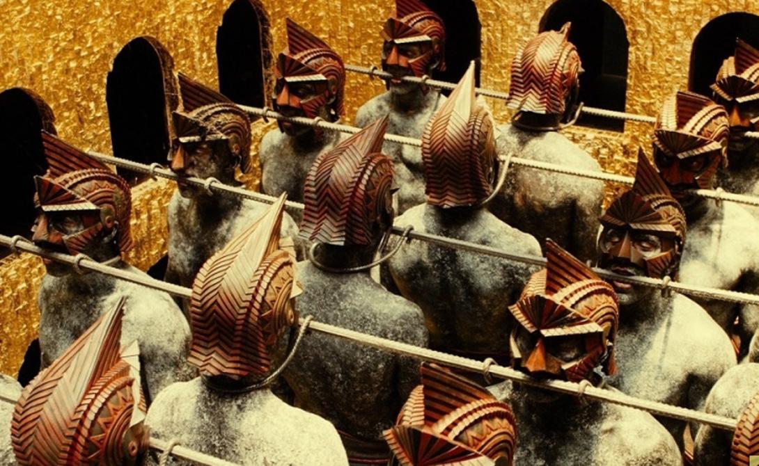 Экипировка В отличие от многих других армейских подразделений того времени, Бессмертные обладали определенной стандартной экипировкой. Кожаная броня надежно защищала тело, плетеный щит был крепок, а короткие копья позволяли бойцу вести поединок на ближней дистанции. Кроме того, каждый Бессмертный оснащался луком и стрелами с железными наконечниками.