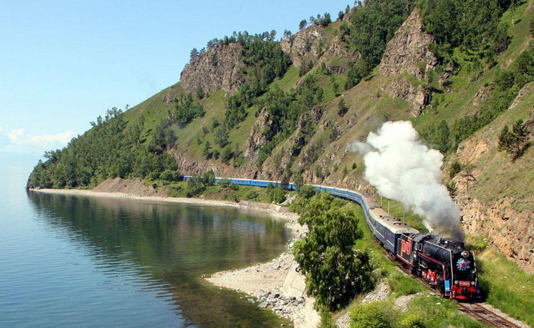 Байкальская линия В 1991 году завершилось строительство ветки на Байкало-Амурской магистрали, обеспечившей легкий доступ к озеру. Этот маршрут чрезвычайно популярен у путешественников — особенно хороша окружающая природа летом.
