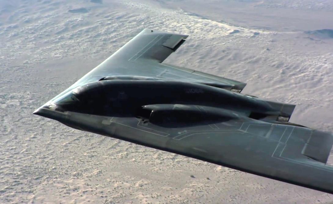 Northrop Grumman CША Знаменитый стелс-бомбардировщик B-2 стал настоящим символом не только Northrop, но и всех американских ВВС. Считается, что эта компания во многом унаследовала чертежи военных разработок, оставшихся после Третьего рейха.