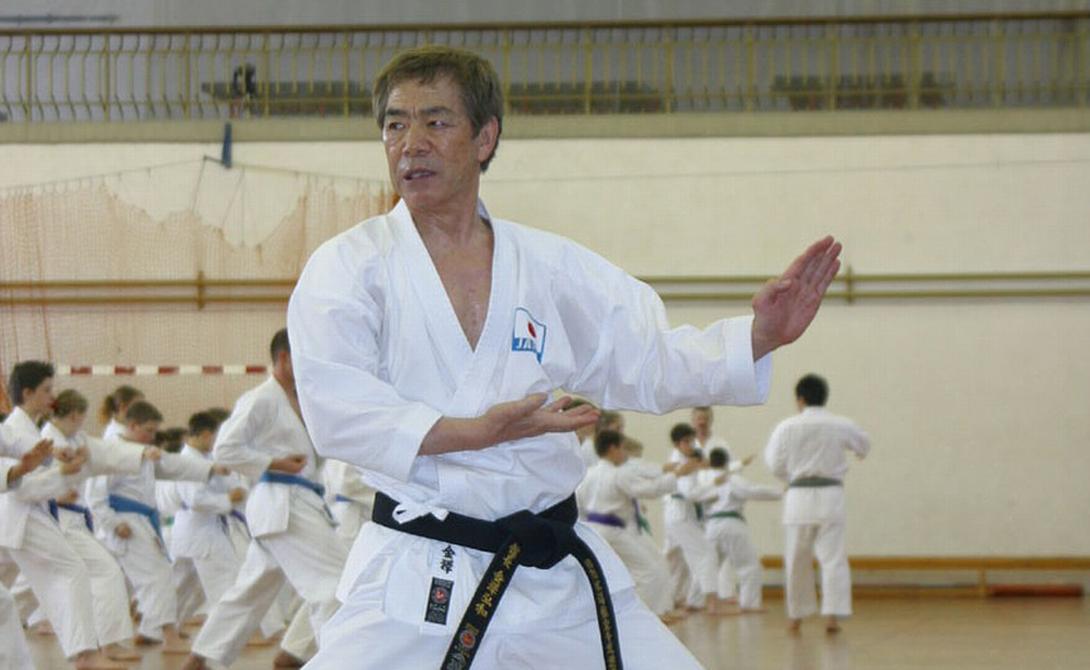 Канадзава Японский мастер Канадзава способен сосредоточить свою внутреннюю энергию на жизнедеятельности окружающих. В частности, он несколько раз демонстрировал журналистам процесс усыпления животных.