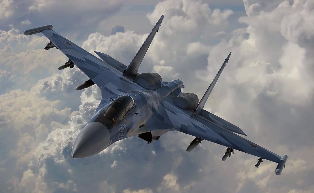 Су-35 По совокупности характеристик истребитель вплотную подходит к истребителям пятого поколения. На фюзеляже самолета установлены 12 станций для ракет класса «воздух-воздух» и «воздух-земля». На вооружении России сейчас стоит 48 машин этого класса, во многом превосходящих основной американский истребитель F-35, который слишком зависит от своей стелс-системы.