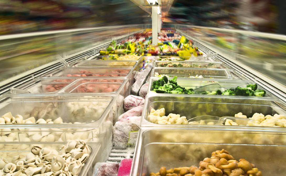 Полуфабрикаты Рацион подавляющего большинства людей включает переработанное мясо. Котлеты, колбасы, сосиски и прочие подобные продукты содержат огромное количество консервантов и соли. Все это приводит к подрыву здоровья и перманентно высокому уровню холестерина.