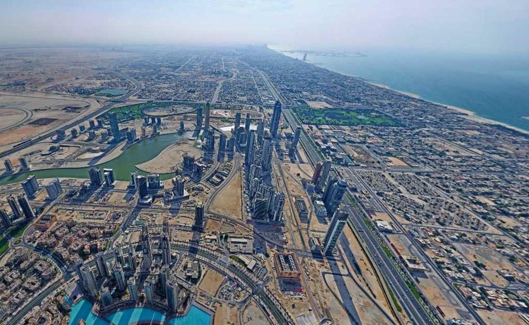 Бурдж-Халифа Дубай, ОАЭ 828 м Титул самого высокого в мире здания по-прежнему остается за колоссальным небоскребом Бурдж-Халифа, расположенным почти в центре Дубая.