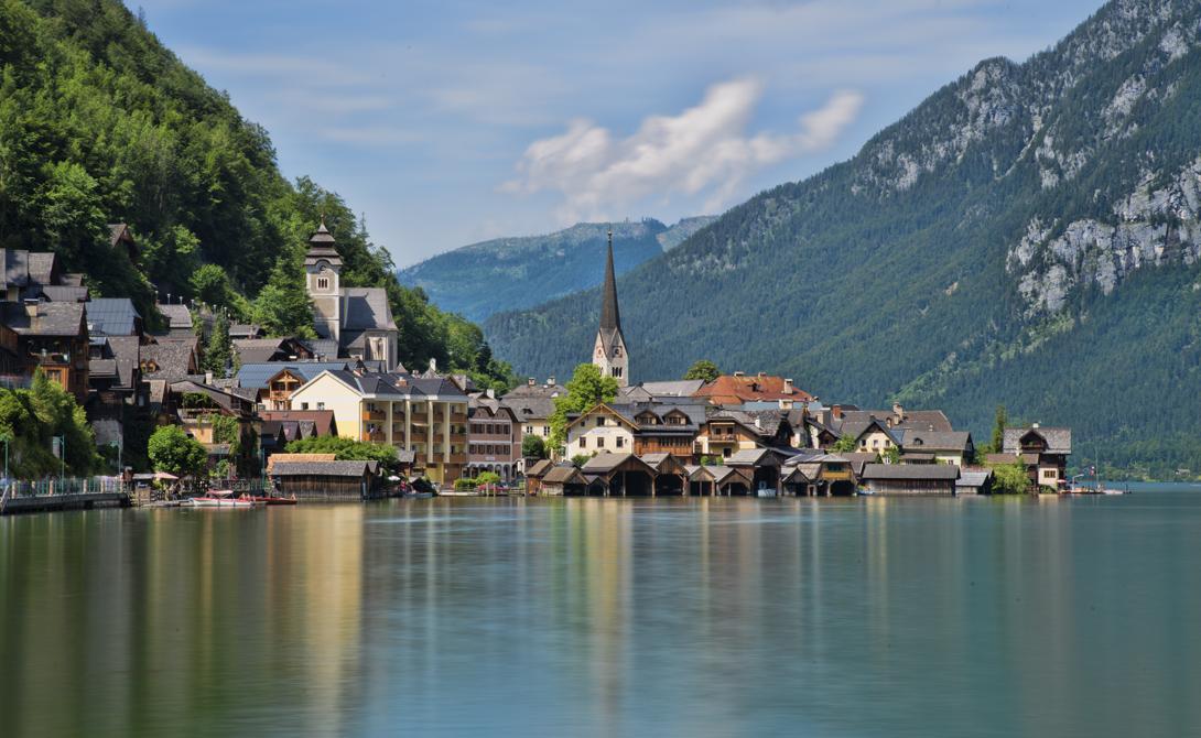 Австрия Роберт Фрост писал, что «хорошие заборы делают хороших соседей» и это утверждение вполне работает на уровне государств. Границы с Чехией (центр европейской проституции и торговли наркотиками) и Германией (мигранты) никак не повлияли на ситуацию в самой Австрии.