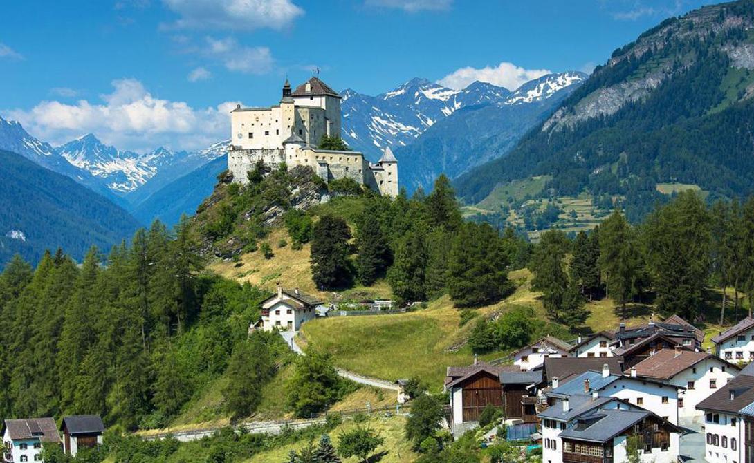 Швейцария Позиция индифферентного нейтралитета во внешней политике позволила Швейцарии стать одной из самых мирных стран планеты. Здесь просто не нужно совершать преступлений, чтобы жить хорошо — достаточно просто работать.