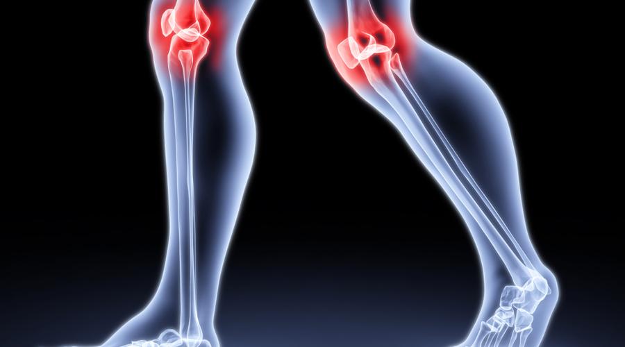 Фитнесбол Идеально будет заменить привычный стул фитнесболом. Понятно, что гораздо удобнее развалиться перед компьютером в удобном кресле, но такая поза очень быстро изнашивает суставы, создавая статическую и неравномерную нагрузку. На фитнесболе же сидеть поневоле придется прямо — заодно и мышцы спины укрепите.