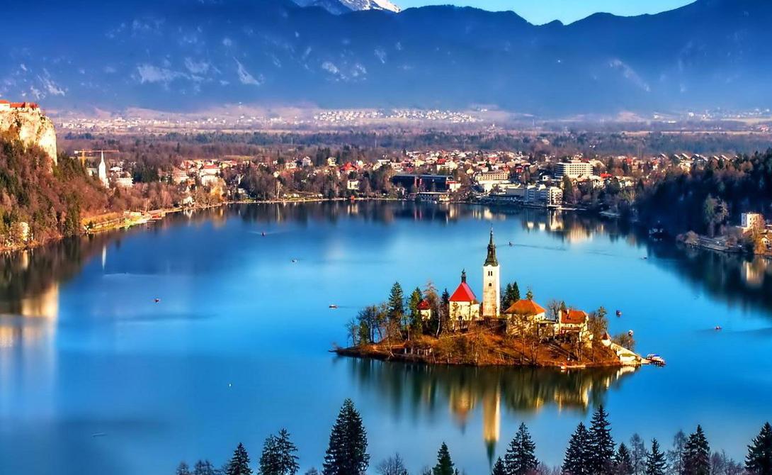 Словения На последнем месте оказалась Словения. Незначительные внутренние конфликты заставляют государство использовать больше полиции, что позволяет туристам чувствовать себя более безопасно.