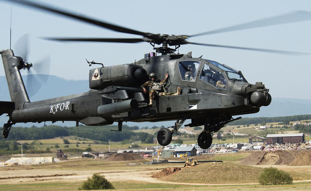 AH-64 Apache С середины 1980 годов «Апач» остается основным ударным вертолетом Армии США. Сейчас он также является самым распространенным боевым вертолетом в мире, что объясняется высокой боевой мощью, маневренностью и сравнительно низкой стоимостью машины.