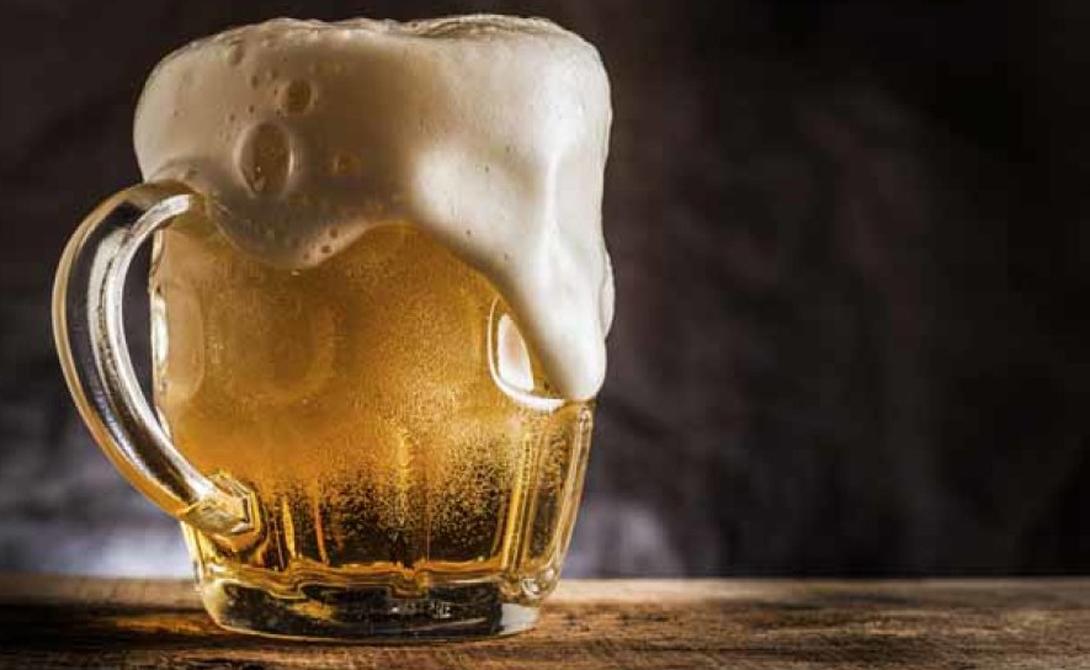 Пиво Древнее открытие ферментации почти наверняка произошло случайно. Никто не знает, кто именно изобрел первое пиво, но уже первые в мире пекари должны были заметить реакцию отсыревшего зерна. Более того, некоторые антропологи и археологи даже теоретизируют, что именно пиво появилось сначала, а уж потом люди додумались делать из зерна хлеб.