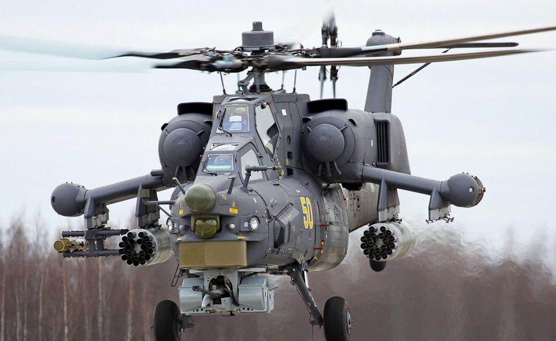 Ми-28 Россия Российский красавец «Ночной охотник» (Havok, «Опустошитель» по классификации НАТО) предназначен для поиска и уничтожения целей в условиях активного огневого противодействия танков противника. Максимальная скорость этого бронированного убийцы составляет 320 км/ч, что делает его весьма трудной целью. На вооружении «Ночного охотника» две 30-мм пушки и ракеты классов «воздух-воздух» и «воздух-земля».